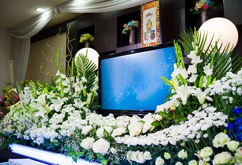 最新の葬儀事情を紹介